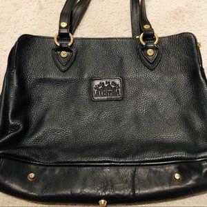 Gorgeous leather Valentina Italian purse 💖